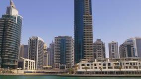 Dubaj marina zatoki zatoki dnia światła kawiarni panoramiczny widok 4k uae zbiory wideo