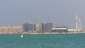 Dubaj miasta dnia światła burj palmowego al arabska hotelowa panorama 4k uae zbiory wideo