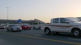 Dubaj miasta zmierzchu sheikh zayed drogowego ruch drogowego 4k uae zdjęcie wideo