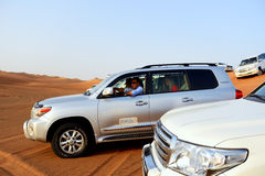 Dubaj pustyni wycieczka w droga samochodzie Fotografia Royalty Free