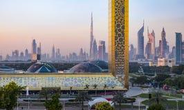 Dubaj ramowy budynek przy wschodem słońca Fotografia Stock