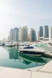 Dubaj, STYCZEŃ - 10, 2015: Marina okręg dalej zdjęcia royalty free