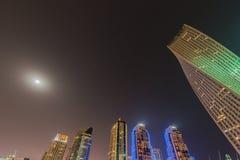Dubaj, STYCZEŃ - 10, 2015: Marina okręg dalej Obraz Royalty Free