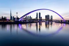 Dubaj, UAE - Jan 27, 2017: Wschód słońca nad Dubaj śródmieściem Obrazy Stock