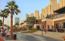 Dubaj, UAE - Maj 08, 2018: Dubaj Marina deptak przy zmierzchem cyfrowo wytwarzający cześć wizerunku res drapacz chmur widok Marin fotografia royalty free