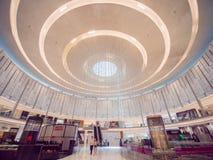 Dubaj, UAE - Maj 15, 2018: Dubaj centrum handlowe jest jeden wielcy centra handlowe w świacie obrazy stock