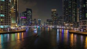 Dubaj wody i Marina nighttime kanałowy upływ Niecka up zdjęcie wideo