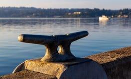 Dubb för skeppsdocka för morgonsoluppgånghamn arkivfoton