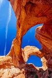 Dubbel båge i bågar nationalpark, Utah, USA Royaltyfri Foto