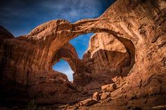 Dubbel båge i Moab Utah royaltyfria foton