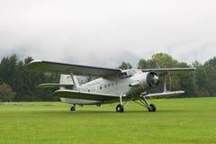 Dubbel däckare - modellen Biplane - flygplan Fotografering för Bildbyråer