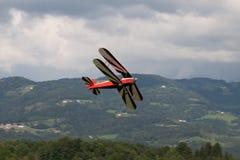 Dubbel däckare - modellen Biplane - flygplan Arkivfoto