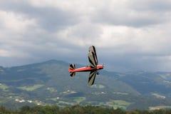 Dubbel däckare - modellen Biplane - flygplan Arkivbild