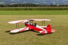Dubbel däckare - modellen Biplane - flygplan Royaltyfria Foton