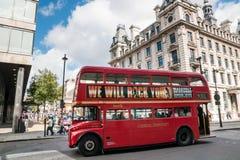 Dubbel Decker Bus in Londen, het UK Stock Foto's