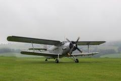 Dubbel Dek - ModelBiplane - Vliegtuigen Stock Foto's