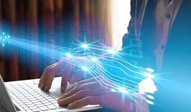 Dubbel exponering av bärbara datorn för affärsmanhandbruk med manöverenheten av Royaltyfria Foton