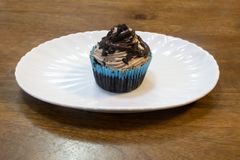 Dubbel kaka för kopp för chokladchocochip Arkivbild