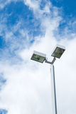 Dubbel lampa för gataljus Arkivbild