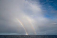dubbel regnbåge royaltyfria bilder
