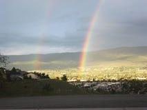 dubbel regnbåge Arkivfoton