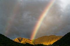 Dubbel regnbåge, St James Walkway, Nya Zeeland arkivbilder