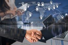 Dubbele blootstelling van conce van de de groetovereenkomst van de bedrijfsmensenhanddruk Stock Afbeelding