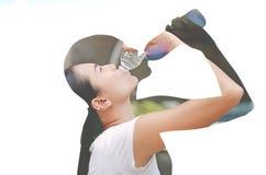 Dubbele blootstelling van dorstig vrouwen drinkwater royalty-vrije stock foto's