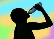 Dubbele blootstelling van dorstig vrouwen drinkwater stock fotografie