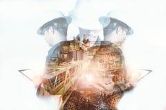 Dubbele blootstelling van Ingenieur of Technicus de mens met veiligheidshelm Stock Afbeeldingen