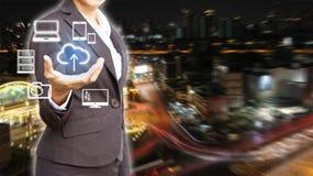 Dubbele blootstelling van professioneel bedrijfsmensen aangesloten apparaat stock afbeelding