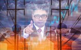 Dubbele blootstelling - zakenman drie, achtergrond met elektrische polen en voorraadgrafiek in de hemel, concept vluchtigheidsvoo royalty-vrije stock foto