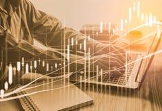 Dubbele blootstellings bedrijfsmens op voorraad financiële uitwisseling voorraad Royalty-vrije Stock Afbeelding