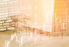 Dubbele blootstellings bedrijfsmens op voorraad financiële uitwisseling voorraad Royalty-vrije Stock Afbeeldingen