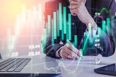 Dubbele blootstellings bedrijfsmens op voorraad financiële uitwisseling voorraad Stock Fotografie