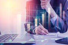 Dubbele blootstellings bedrijfsmens op voorraad financiële uitwisseling voorraad Stock Afbeelding