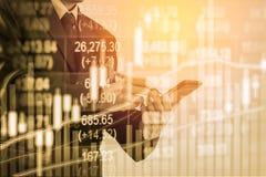 Dubbele blootstellings bedrijfsmens op voorraad financiële uitwisseling voorraad Royalty-vrije Stock Fotografie