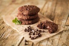 Dubbele chocoladeschilferkoekjes Stock Fotografie