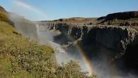 Dubbele regenboog over de canion dichtbij de Dettifors-Waterval Royalty-vrije Stock Afbeeldingen