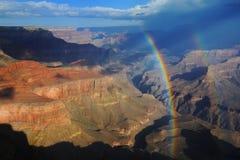 Dubbele regenboog over Grote Canion Stock Fotografie