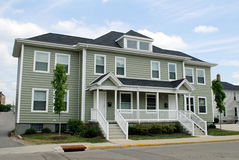 dubbelsidigt hus för lägenhet Arkivbilder