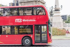 Dubbla Decker Metrobus - Mexico - stad Arkivbild
