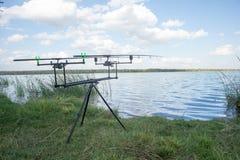 Dubbla fiska Rod Stand med Stänger Fotografering för Bildbyråer