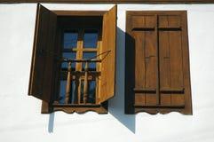 dubbla fönster Arkivfoto