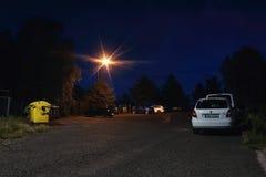 Dubicky, republika czech - Lipiec 08, 2017: samochody na asfaltowym parking dla turystów przewodzi dla punktów obserwacyjnych eur Obraz Royalty Free