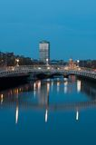Dublín en la noche Imagenes de archivo