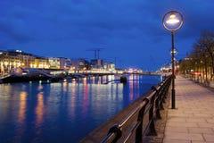 Dublín en la oscuridad Foto de archivo
