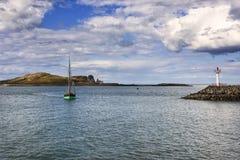 Dublin Bay en el puerto Villlage de Howth imagen de archivo