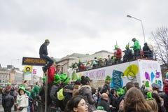 DUBLIN, IERLAND - MAART 17: De Dagparade van heilige Patrick in Dublin Stock Afbeelding