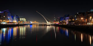 Dublin Ireland River Liffey bij Nacht Royalty-vrije Stock Fotografie